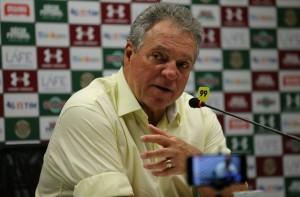 Gum ou Richard: Abel tem 'decisão difícil' para inscrição na Sul-Americana