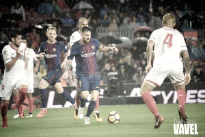 ميسي ينقذ برشونة من الهزيمة ويقود برشلونة للتعادل مع أشبيلية