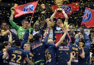 Cavani le da la Copa de la Liga al PSG