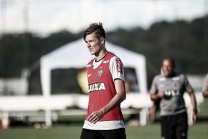 Zagueiro Maidana chega ao Atlético-MG, exalta novos colegas e visa fazer história no clube