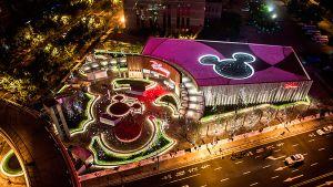 Shanghái acoge la tienda Disney más grande del mundo