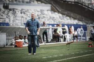 """Após empate, Mano Menezes lamenta desempenho do Cruzeiro: """"Time se precipitou demais"""""""