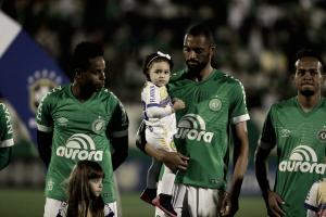 Douglas lamenta empate da Chapecoense contra Santos: ''Gostinho ruim''