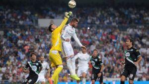 Juan Carlos realiza un debut sobresaliente en Primera División