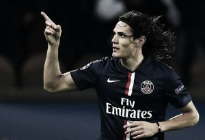 Com dois gols de Cavani, Paris Saint-Germain vence Ajax e segue líder do grupo F