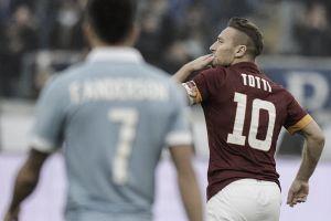 Felipe Anderson y Totti sobreviven al derbi de Roma