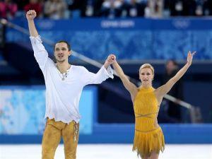 Russia dominatrice nel pattinaggio a coppie, due medaglie