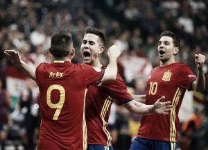 España saca el cartabón ante Hungría