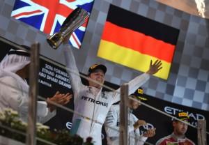 Deuxième à Abu Dhabi, Nico Rosberg est pour la première fois champion du monde