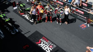 Sbk, GP di Misano: pole incredibile di Tom Sykes. 2º Rea, male le Ducati, con Giugliano 7º e Davies 9º