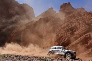 Dakar, domina Peterhansel tra le auto