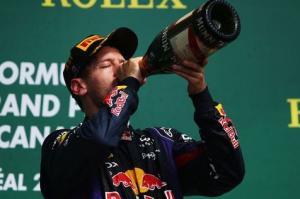 Vettel prolonge avec RedBull