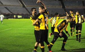 Peñarol se fue aplaudido ante su gente