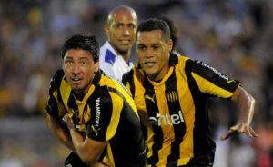 El Tanque Sisley vs Peñarol: los dos quieren volver a sumar de a tres