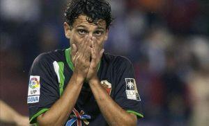 Mantecón y Javi Flores se desvinculan del club