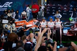 Com ajuda do Toyota #7, Fernando Alonso estreia no Mundial de Endurance com vitória em SPA