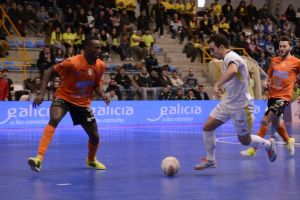 Santiago Futsal se lleva el derbi gallego con un ajustado 3-2