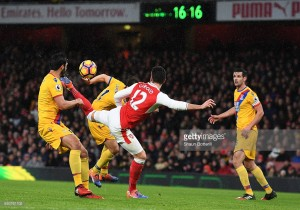 Arsenal 2-0 Crystal Palace: Giroud stunner helps Arsenal claim first win of 2017 - as it happened.