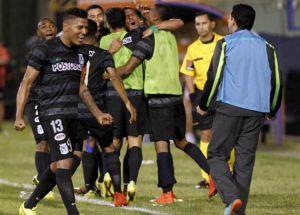 Nacional remontó y logró meterse en octavos de final por Copa Suramericana