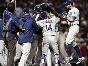 Los Angeles Dodgers sweep Arizona Diamondbacks to advance to National League Championship Series