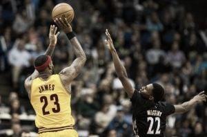 Resumen NBA: históricos Hawks y LeBron reina en Minnesota