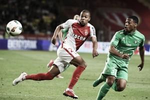 Acabou a espera: Mbappé resolve, Monaco vence Saint-Étienne e é campeão da França após 17 anos