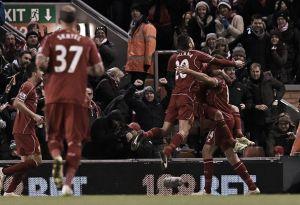 Lampi del vecchio Liverpool, Swansea abbattuto 4-1