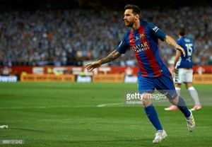 Lionel Messi commits future to FC Barcelona until 2021