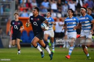 Late Solomona try helps England edge out Argentina in thriller