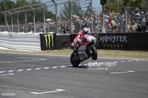 MotoGP: Dovi does the double
