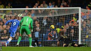 Torres lleva al éxtasis a Stamford Bridge