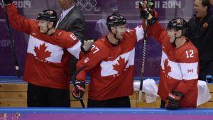Hockey sur glace (H) : les Canadiens conservent leur titre