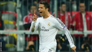 Ronaldo keeps Real in the title race