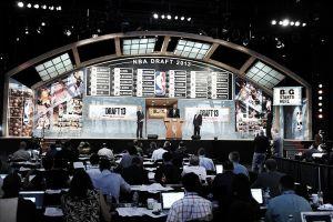 14 equipos buscan tener el número 1 del draft