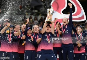 Anya Shrubsole stars as England win Women's World Cup by nine runs in Lord's thriller