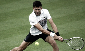 Djokovic passa por jovem russo e encara Monfils na final em Eastbourne