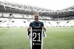 Zagueiro Höwedes sofre nova lesão muscular e estreia pela Juventus é adiada