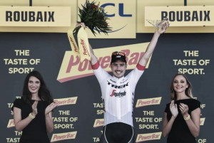 Tour de Francia, etapa 9: John Degenkolb vence en una jornada dramática y accidentada