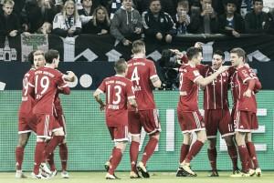 Bayern de Munique domina Schalke 04 e assume liderança provisória da Bundesliga