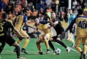 APOEL e Borussia Dortmund empatam e permanecem sem vencer na Champions