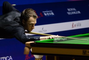 Judd Trump wins his 20th consecutive frame as he cruises into the Shanghai Masters' semi-finals