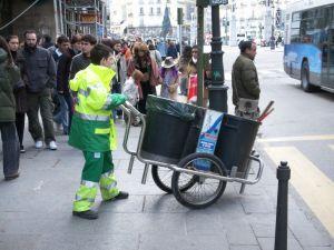 Madrid dispondrá de 500 barrenderos nuevos en octubre