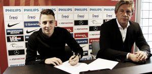 Santiago Arias renueva con el PSV
