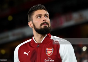 Giroud leaves Arsenal hotel to finalise move to Chelsea