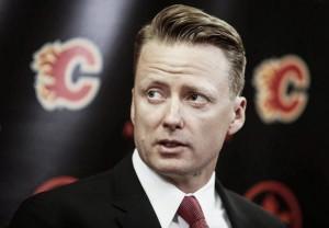Calgary contrata a Glen Gulutzan como entrenador