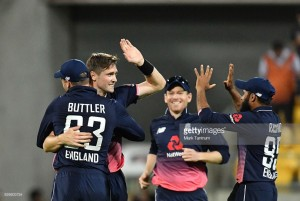New Zealand vs England - Third ODI: Tourists hold nerve to move ahead in series