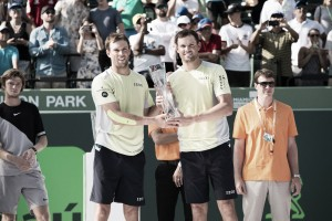ATP Miami: Bryan Brothers fight back to win title over Khachanov/Rublev