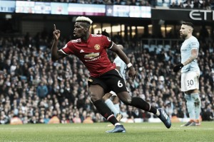 Pogba brilha no segundo tempo, United vira sobre City e evita título antecipado do rival