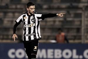 Pimpão volta a ser decisivo no Chile e garante vantagem do Botafogo na Sul-Americana