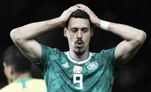 Inconformado com ausência na Copa, Sandro Wagner anuncia aposentadoria da Alemanha